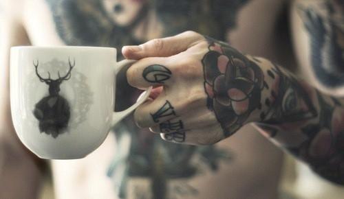 Tatuagens para fazer nas mãos (31)