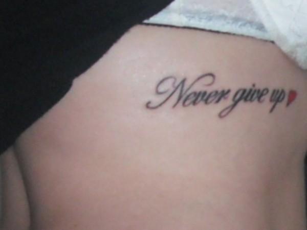 Exemplos-de-tatuagens-escritas-07