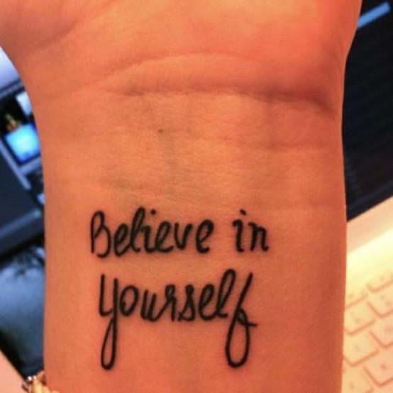 Exemplos-de-tatuagens-escritas-09