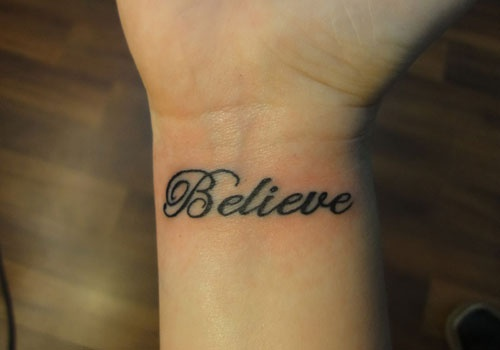 Exemplos-de-tatuagens-escritas-15