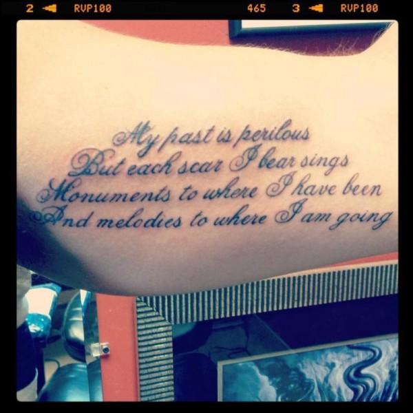 Exemplos-de-tatuagens-escritas-38