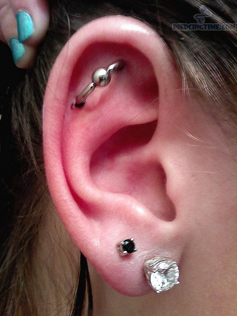 Tipos-de-piercings-de-orelha-Outer_Conch