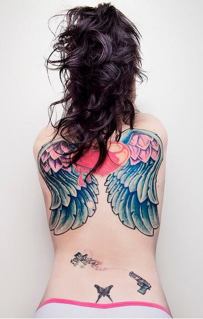 Fotos de tatuagens de asas 04