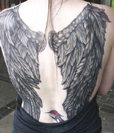 Fotos de tatuagens de asas 23