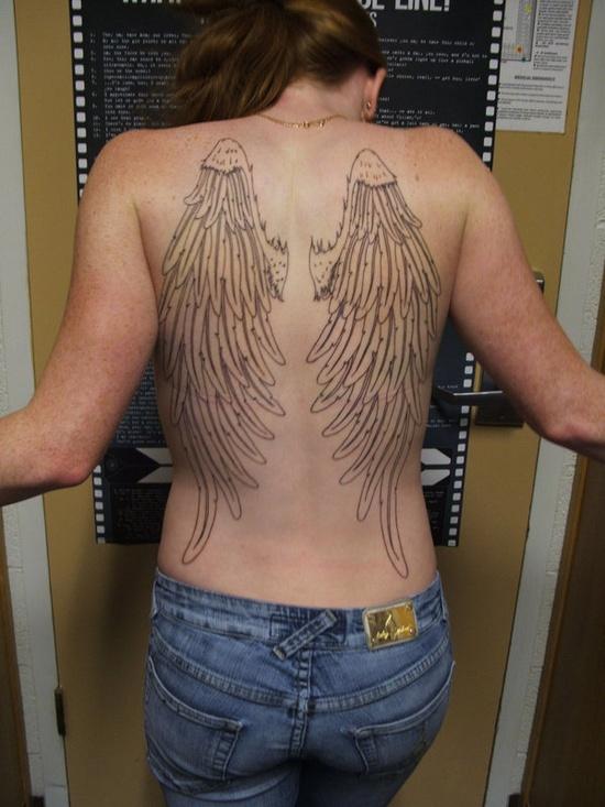 Fotos de tatuagens de asas 31