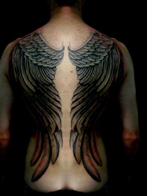 Fotos de tatuagens de asas 37