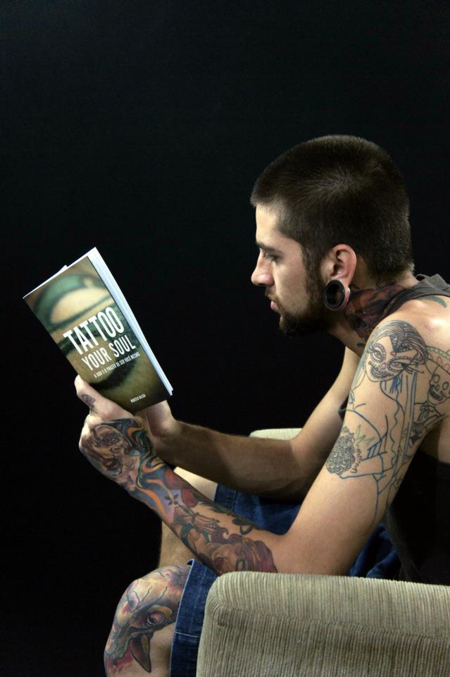 Homem Tatuado Luan dos Anjos 09
