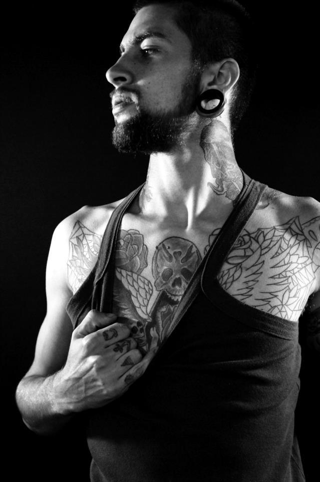 Homem Tatuado Luan dos Anjos 10