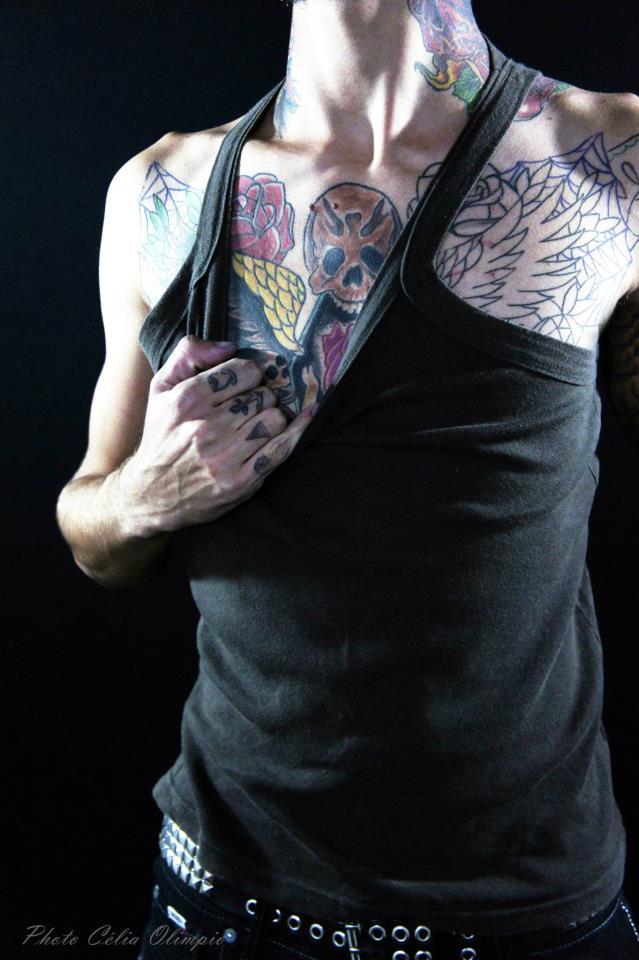 Homem Tatuado Luan dos Anjos 13