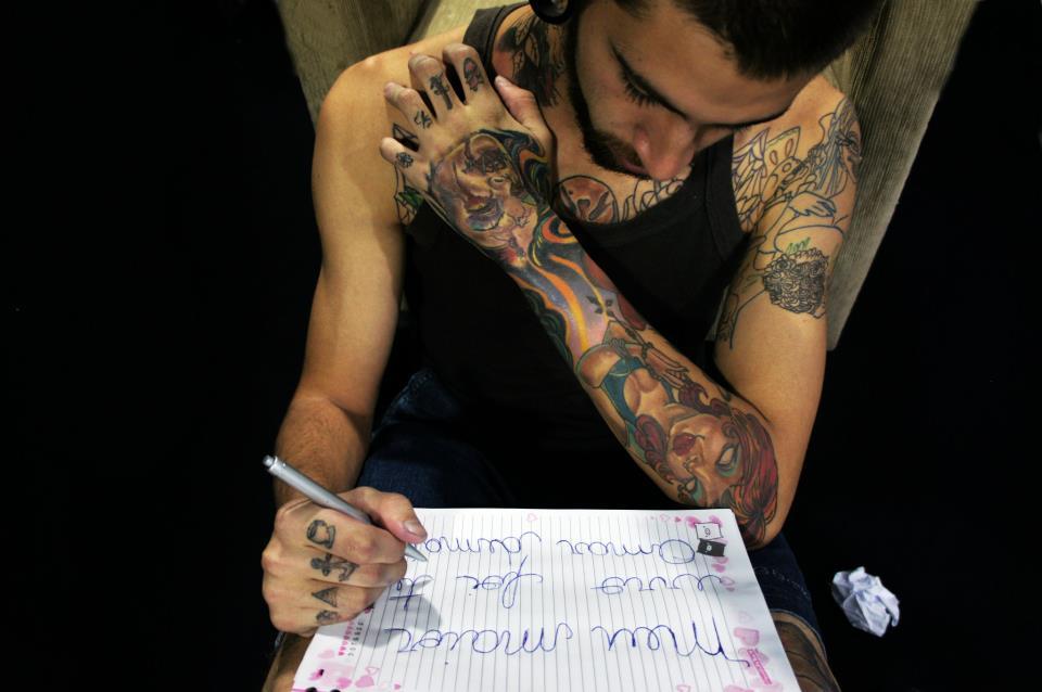 Homem Tatuado Luan dos Anjos 37