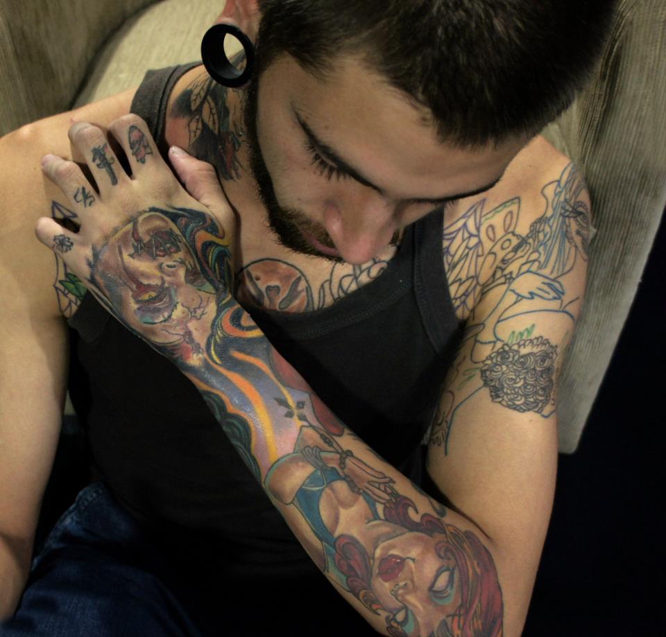 Homem Tatuado Luan dos Anjos 45