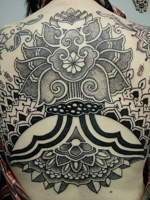 Tatuagem-nas-costas-28