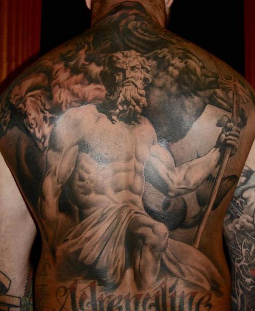 Tatuagem-nas-costas-41