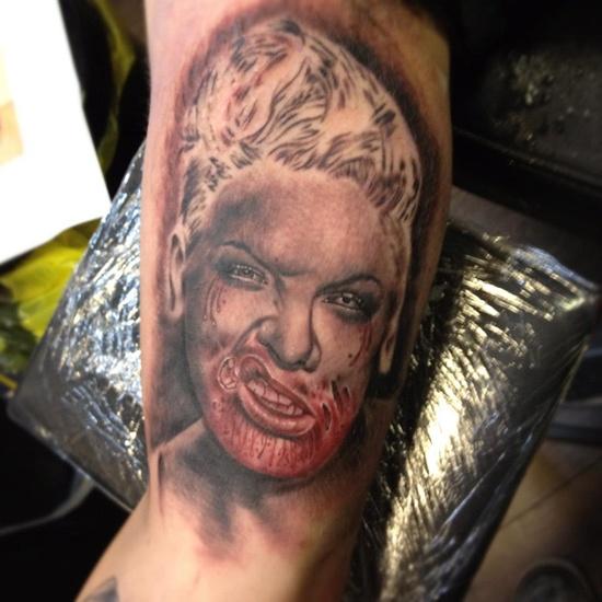 Tatuagens de Zumbis 20