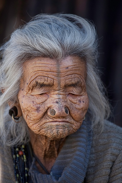 As mulheres da tribo Apatani 02