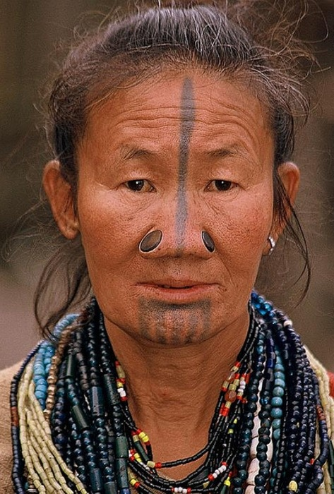 As mulheres da tribo Apatani 05