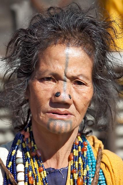 As mulheres da tribo Apatani 06
