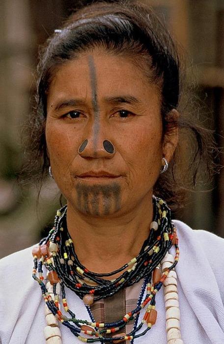 As mulheres da tribo Apatani 07