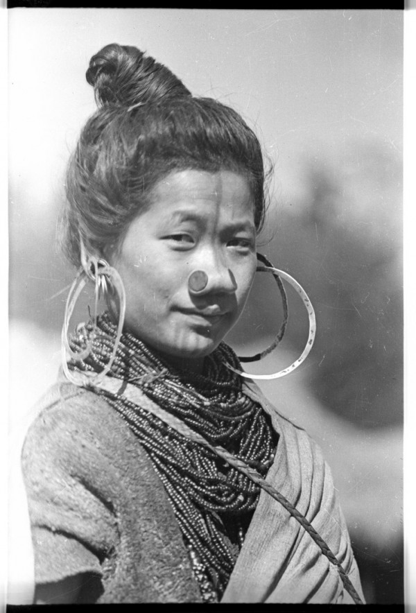 As mulheres da tribo Apatani 17