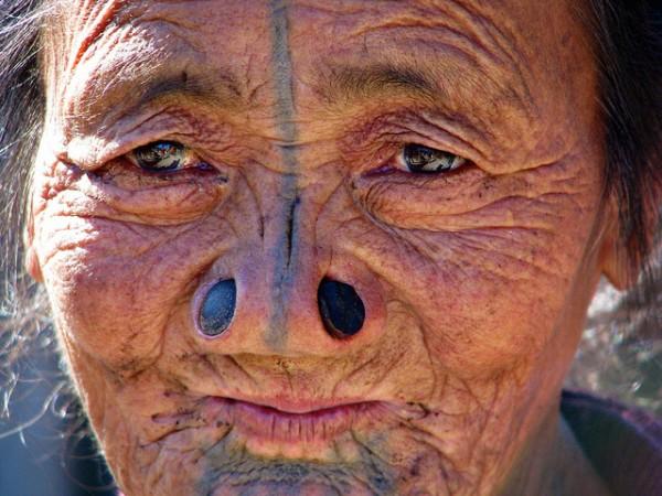 As mulheres da tribo Apatani 21