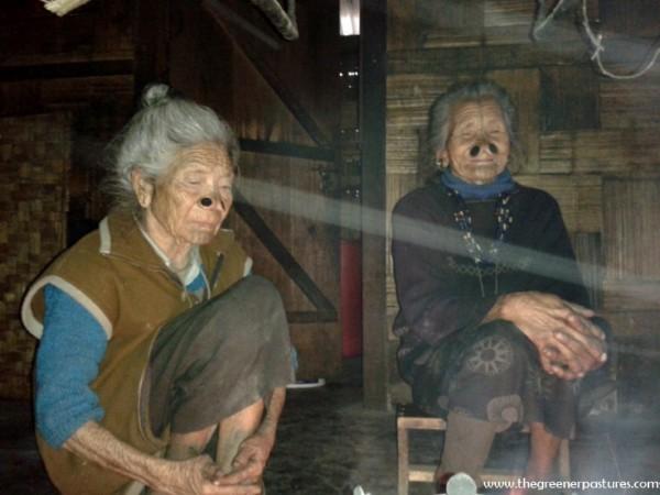 As mulheres da tribo Apatani 26