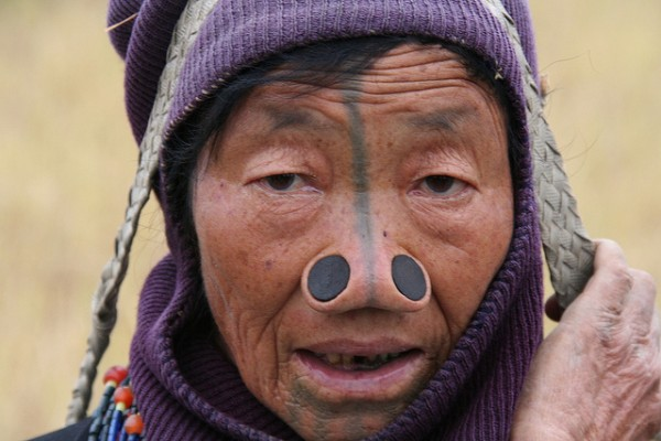 As mulheres da tribo Apatani 28