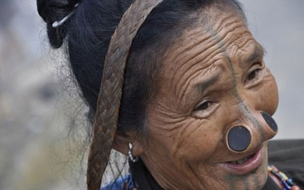 As mulheres da tribo Apatani 34
