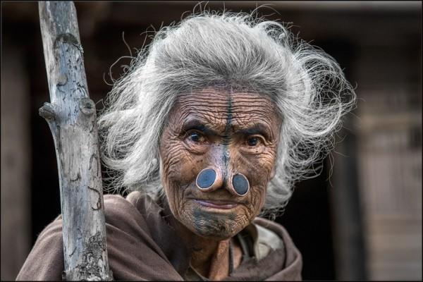 As mulheres da tribo Apatani 40