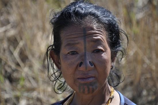 As mulheres da tribo Apatani 43