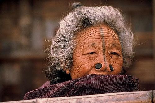 As mulheres da tribo Apatani 44