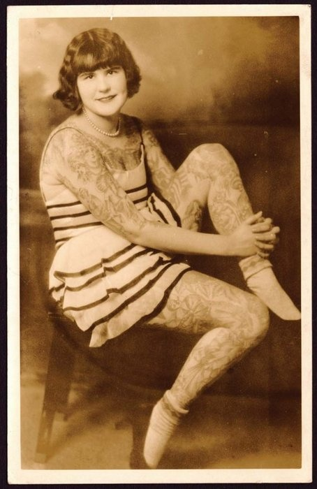 Damas tatuadas Betty Broadbent 01