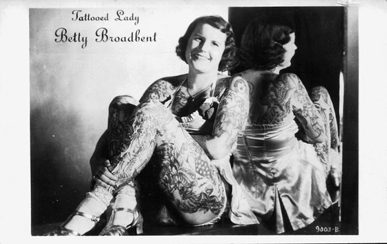 Damas tatuadas Betty Broadbent 13