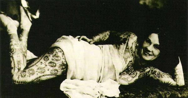 Damas tatuadas Lady Viola 03
