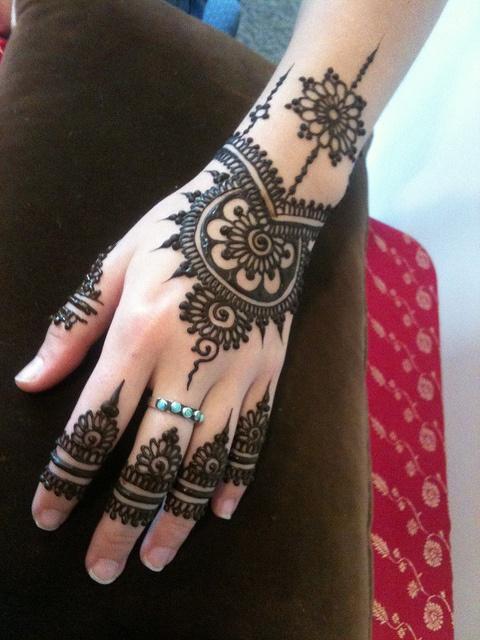 O que e tatuagem de Henna 29