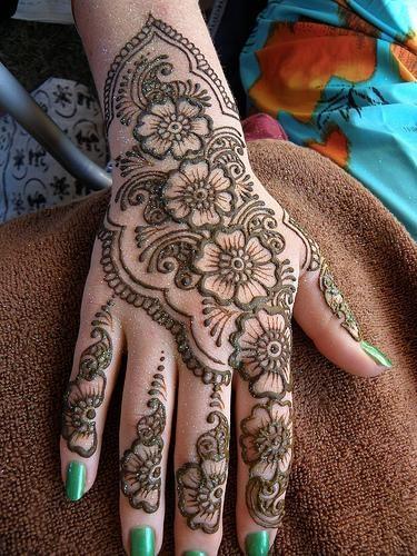 O que e tatuagem de Henna 39