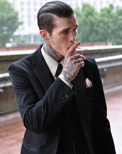 Homem tatuado Jimmy Q 22