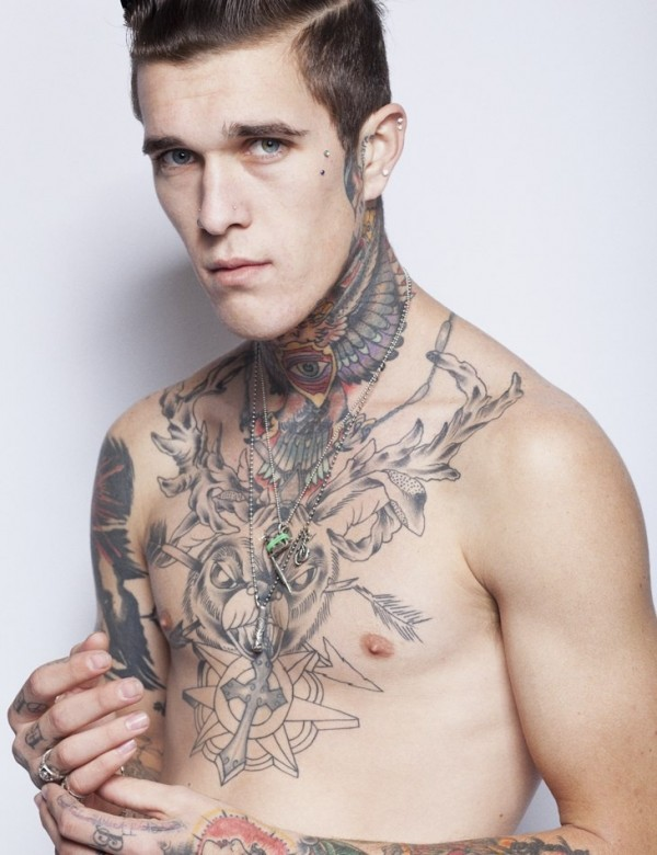 Homem tatuado Jimmy Q 25