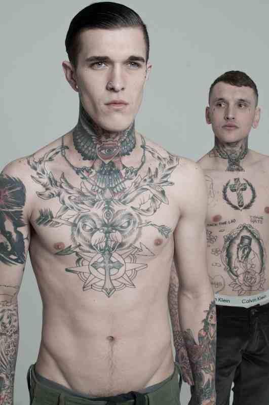 Homem tatuado Jimmy Q 26
