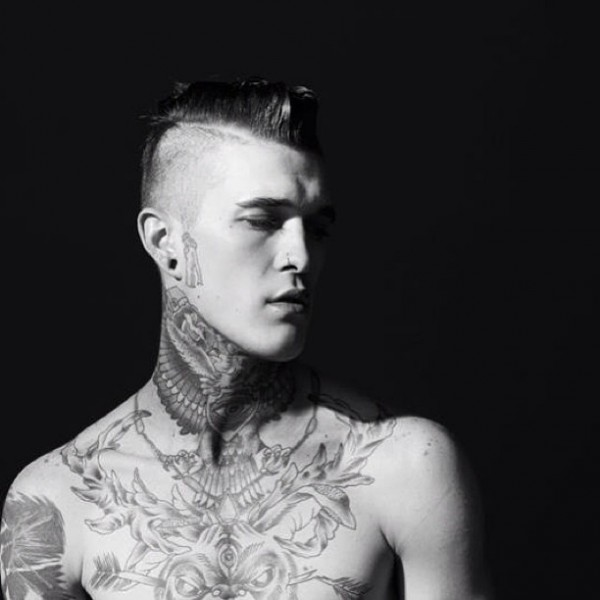 Homem tatuado Jimmy Q 31