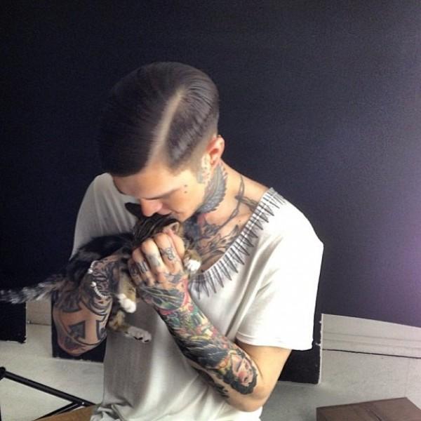 Homem tatuado Jimmy Q 32