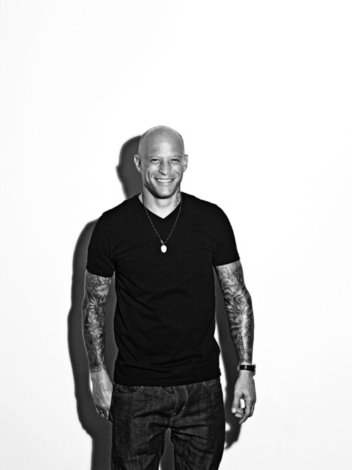 Homen Tatuado - Ami James 19