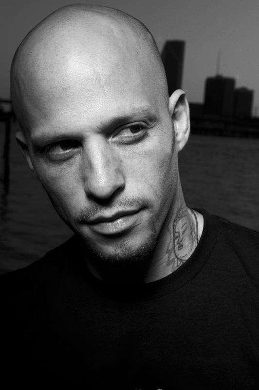 Homen Tatuado - Ami James 23