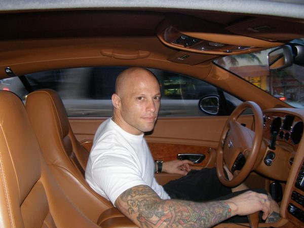 Homen Tatuado - Ami James 25