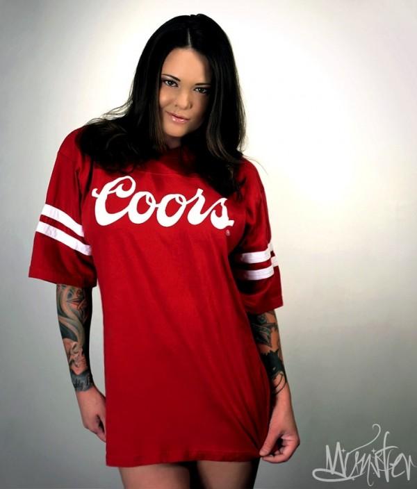 Mulher tatuada Amina Munster 15
