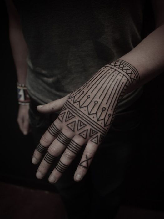 geometric_tattoos_40