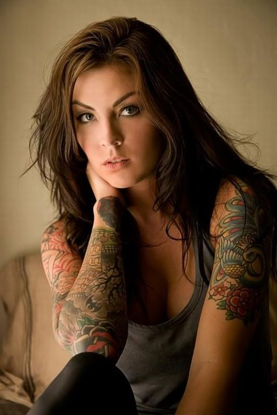 girls_with_tattoos_01