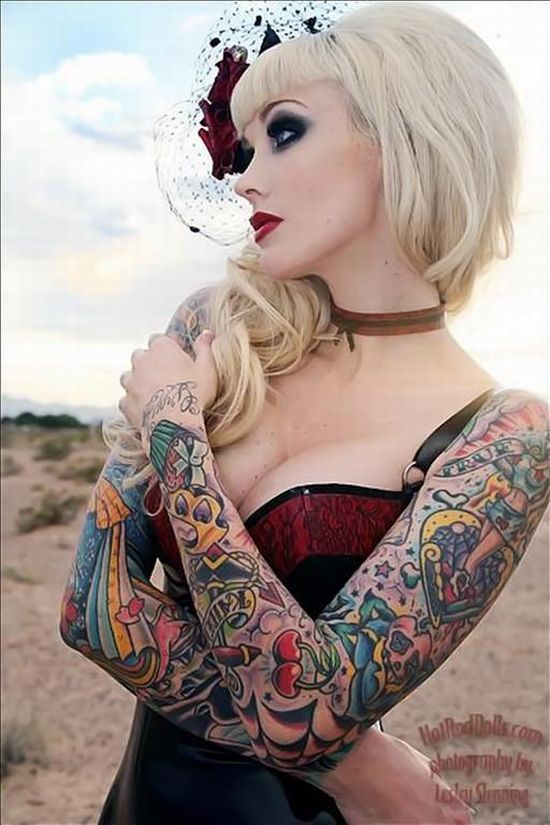 girls_with_tattoos_07