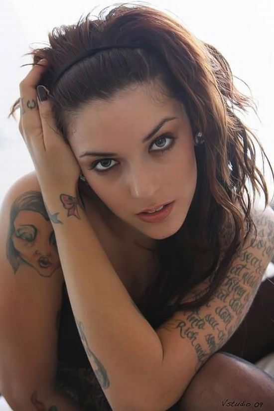 girls_with_tattoos_10
