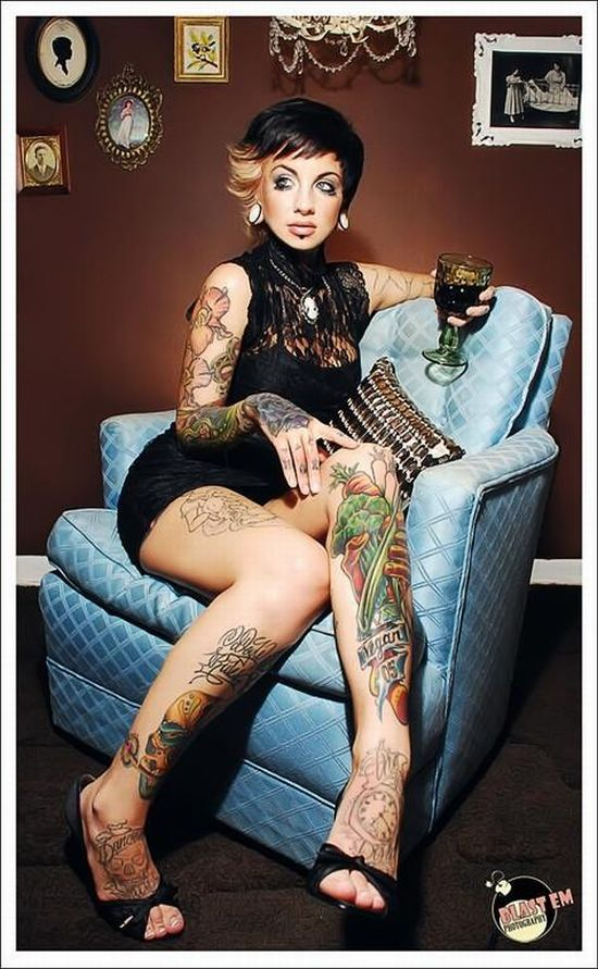 girls_with_tattoos_24