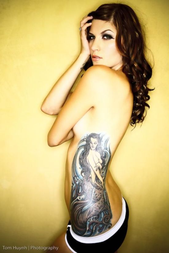 hot_girls_with_tattoos_09